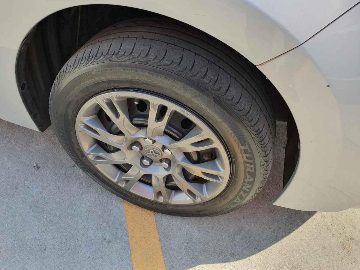 Toyota Corolla 2014 4p Base L4/1.8 Man 86,000km 9