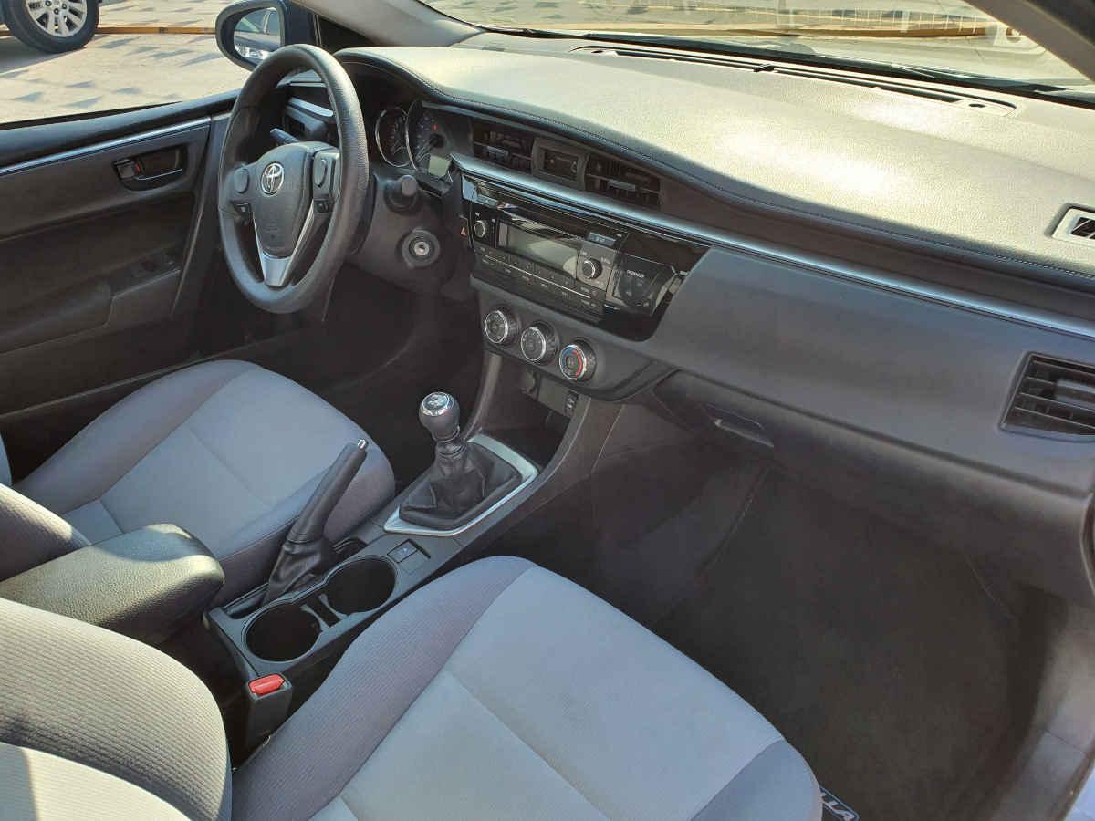 Toyota Corolla 2014 4p Base L4/1.8 Man 86,000km 6