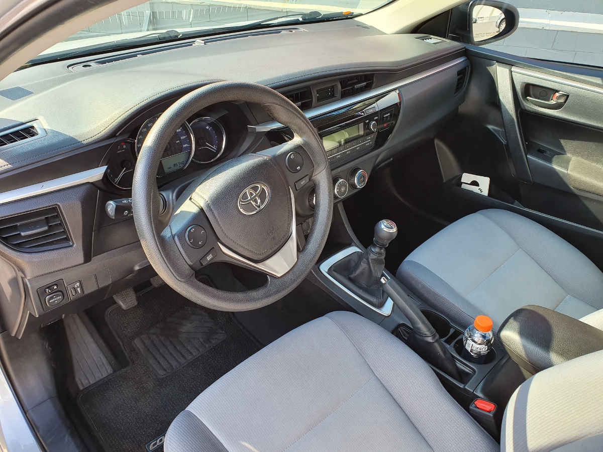 Toyota Corolla 2014 4p Base L4/1.8 Man 86,000km 7