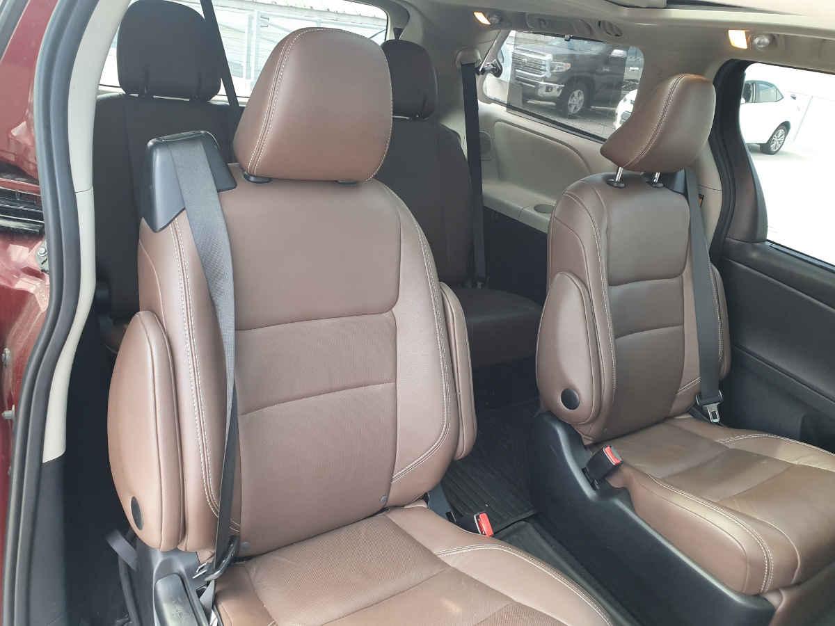 Toyota Sienna 2015 Limited V6/3.5 Aut 42,000km 12