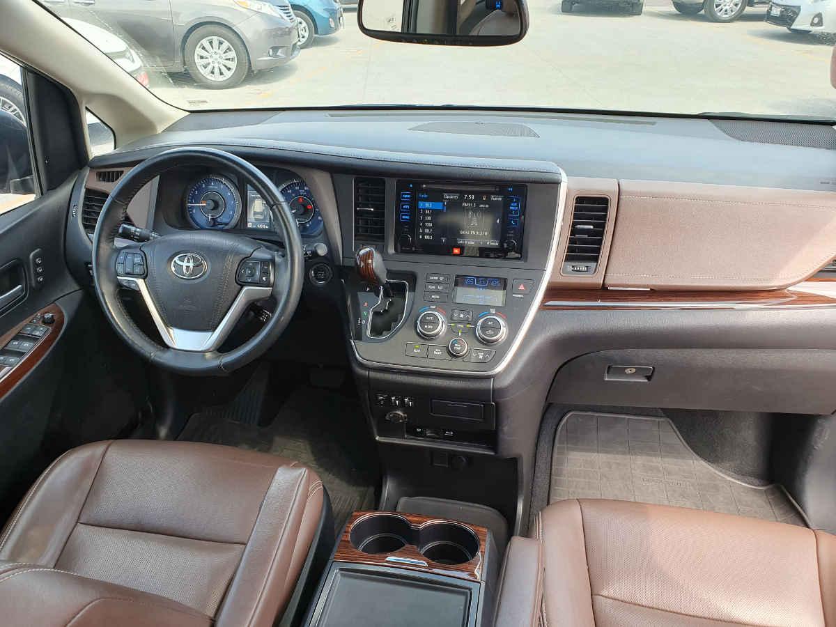 Toyota Sienna 2015 Limited V6/3.5 Aut 42,000km 10