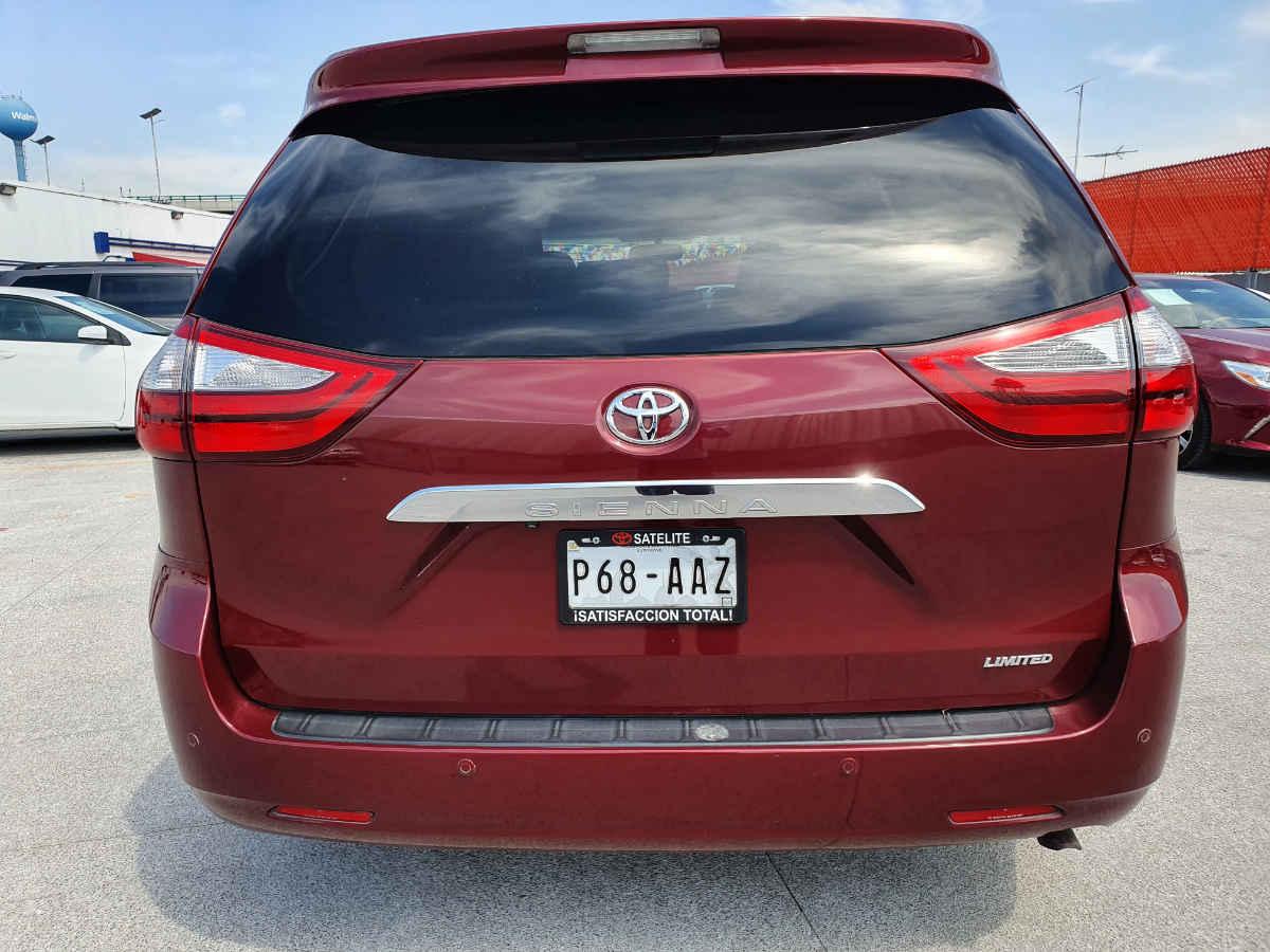 Toyota Sienna 2015 Limited V6/3.5 Aut 42,000km 3