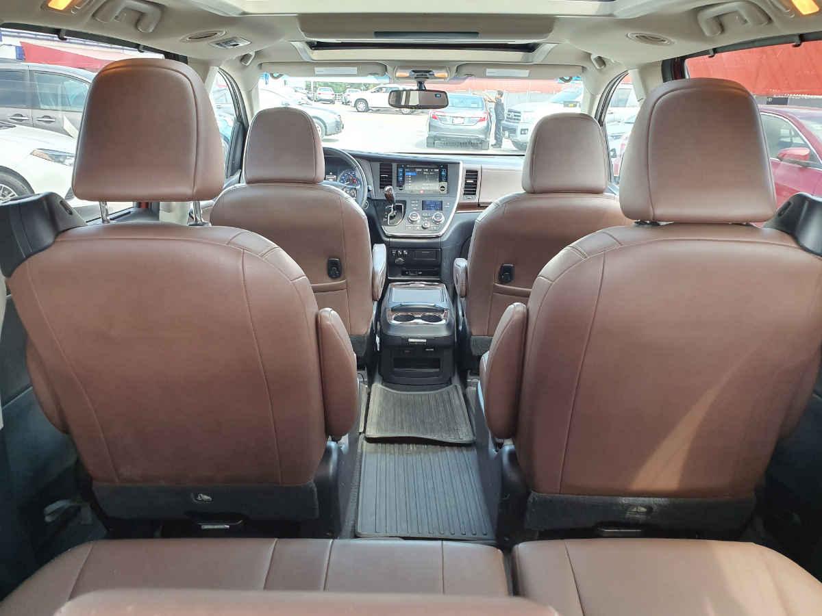 Toyota Sienna 2015 Limited V6/3.5 Aut 42,000km 13