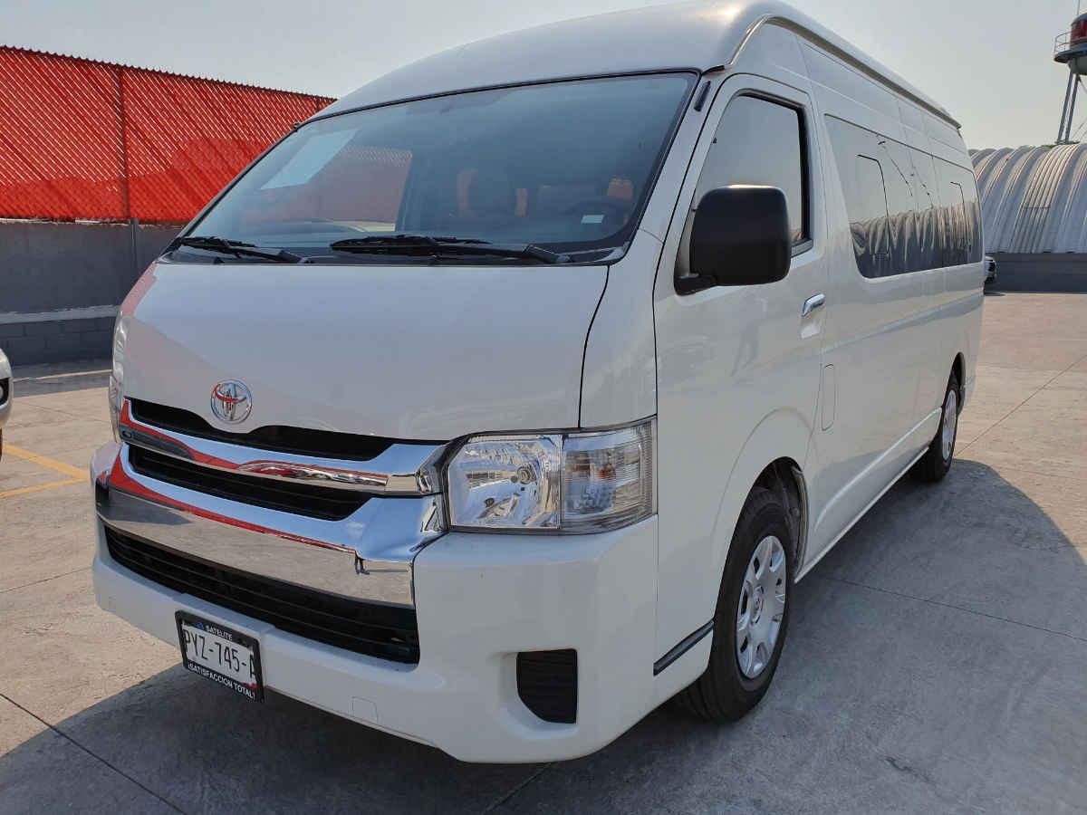 Toyota Hiace 2018 5p L4/2.7 Man 15/Pas 7,000km 0