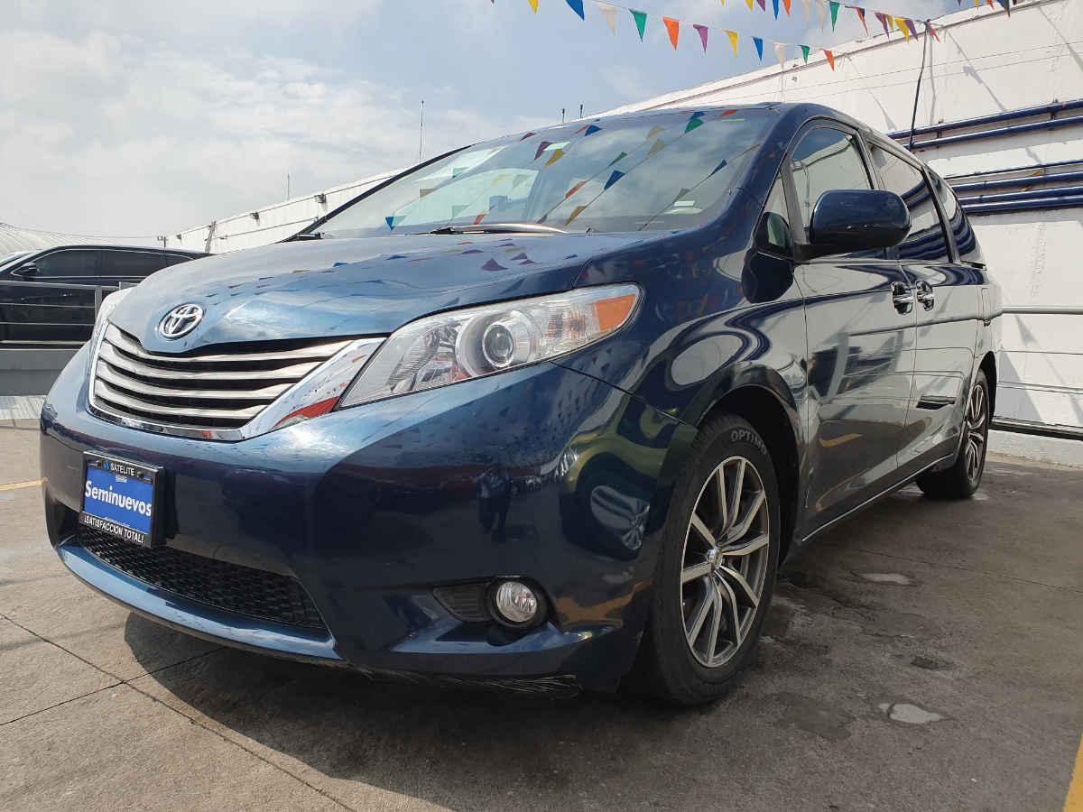 Toyota Sienna 2011 5p XLE aut piel 49,913km 0