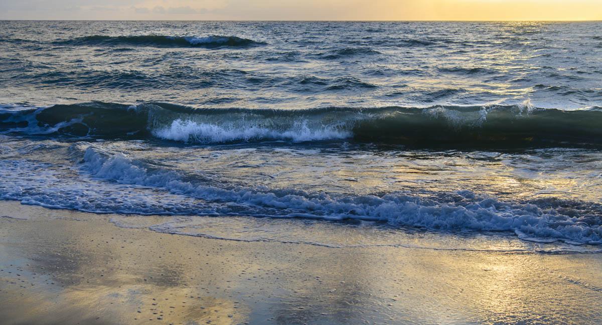 Free stock photo Waves rushing in sea during sunset