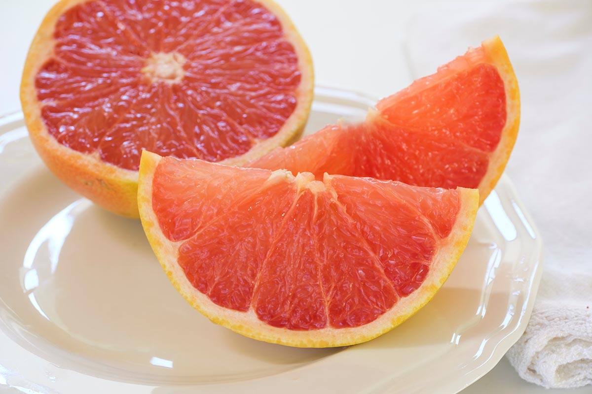 Free stock photo Grapefruit slices on a plate