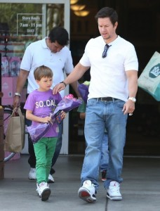 Mark-Wahlberg-West-Hollywood-Apr22-UpscaleHype