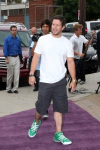 mark-wahlberg-adidas-ts-bounce-commander-02