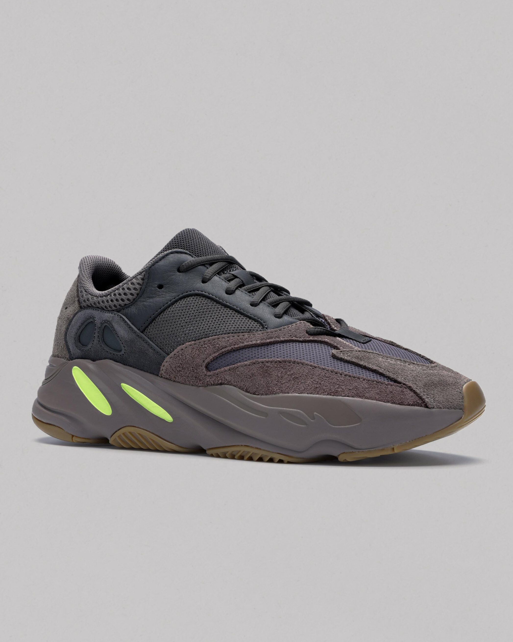 c06bbe555a191 Yeezy 700 Mauve - Analyzing Early Sales Data - StockX News
