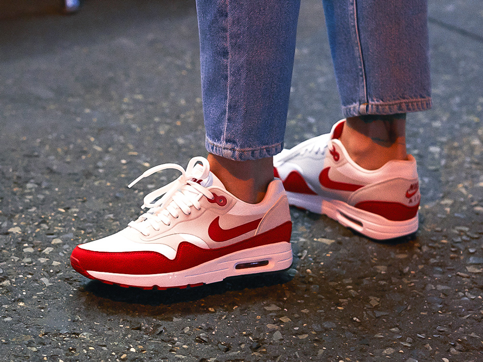 908489-101-nike-womens-air-max-1-ultra-se-white-red-blog-2 - StockX News 275664198