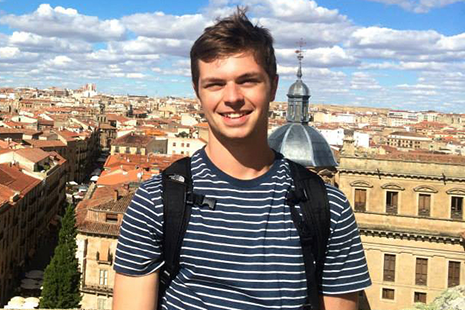 Taylor Steimle '17, International Programs Peer Advisor (Granada, Spain)