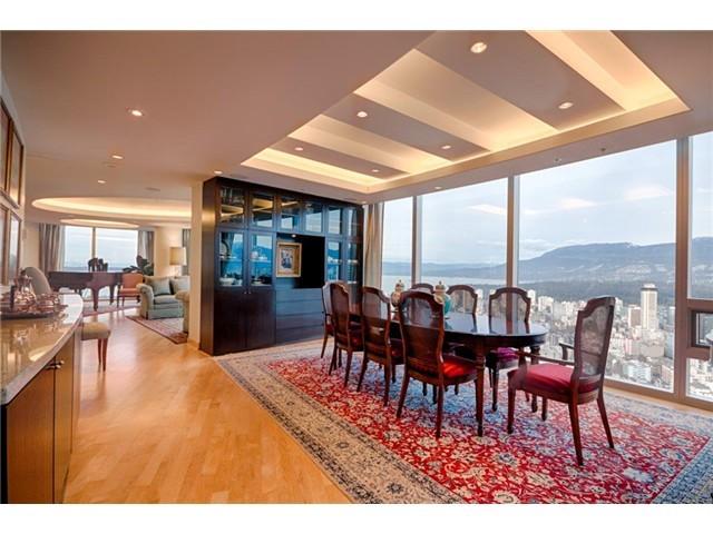 Penthouse-Dining-Room.jpg