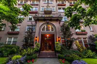 West End VW Condo for sale:  1 bedroom 1,086 sq.ft. (Listed 2017-07-11)