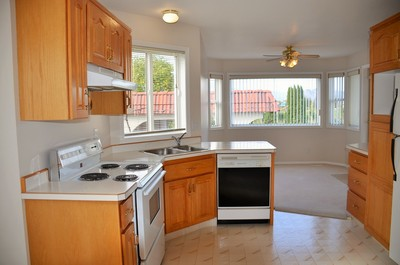 OSOYOOS Townhouse for sale: Golden Terrace 2 bedroom 1,087 sq.ft. (Listed 2014-10-27)