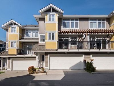 Cloverdale BC Townhouse for sale:  3 bedroom 1,754 sq.ft. (Listed 2018-04-30)