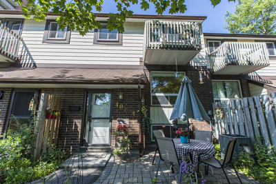 Vanier Apartment for sale:  3 bedroom  (Listed 2019-07-18)