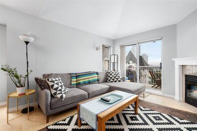 Uptown NW Apartment/Condo for sale:  2 bedroom 834 sq.ft. (Listed 2020-09-17)