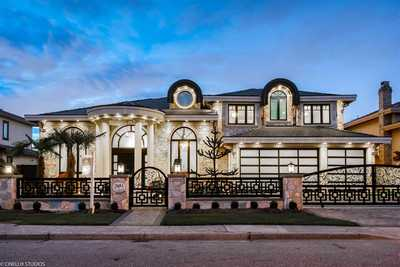 Broadmoor House for sale:  5 bedroom 3,966 sq.ft. (Listed 2019-01-10)