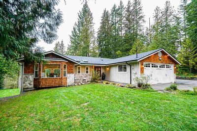 Stave Falls House with Acreage for sale:  5 bedroom 3,465 sq.ft. (Listed 2020-11-08)