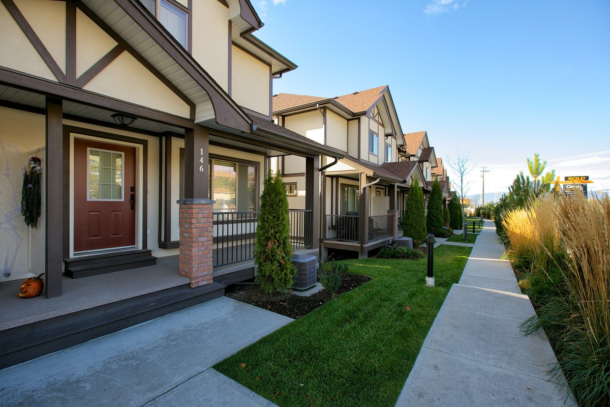 The Gate, Condo Complex, Townhouses, Kelowna, BC, Canada