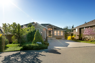 West Kelowna House for sale: Huntsfield Green 2 bedroom 2,011 sq.ft. (Listed 2016-04-08)