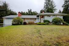 Cedardale House for sale:  3 bedroom 2,711 sq.ft. (Listed 2018-01-10)