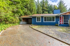3 Bedroom 1/2 Duplex with Private Yard in Roberts Creek For Sale