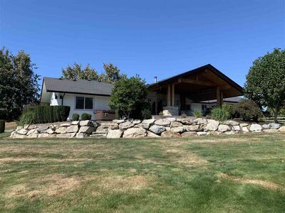 Bradner House with Acreage for sale:  7 bedroom 4,198 sq.ft. (Listed 2020-09-21)