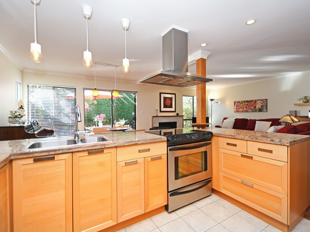 Boyd Park Townhouse for sale:  3 bedroom 1,380 sq.ft. (Listed 2019-09-10)