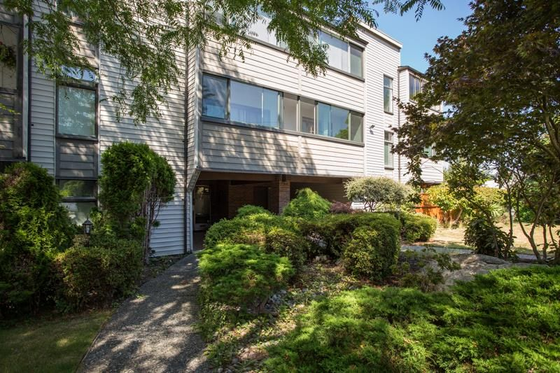 Cliff Drive Apartment/Condo for sale:  2 bedroom 984 sq.ft. (Listed 2020-09-22)