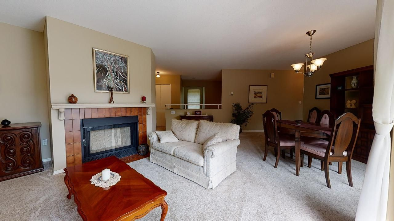 Guildford Townhouse for sale:  2 bedroom 1,303 sq.ft. (Listed 2020-12-22)
