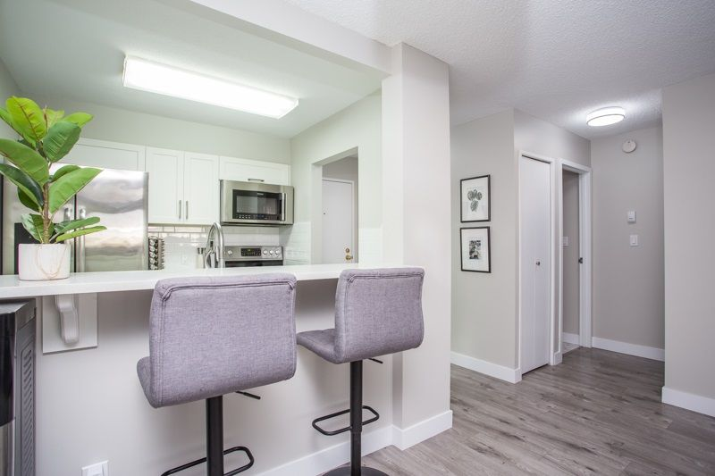Boyd Park Apartment/Condo for sale:  1 bedroom 645 sq.ft. (Listed 2021-01-04)
