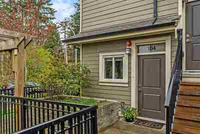 Glenwood PQ Townhouse for sale:  1 bedroom 718 sq.ft. (Listed 2019-04-09)