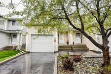 Hawkwood Townhouse for sale:  3 bedroom 1,170 sq.ft. (Listed 2020-05-23)