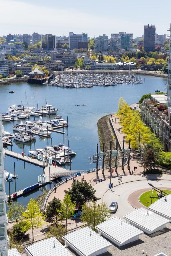 1907 198 Aquarius Mews, Vancouver, BC