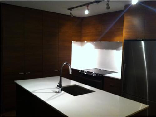 Pemberton NV Condo for sale:  1 bedroom 601 sq.ft. (Listed 2011-10-11)