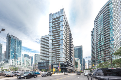 Toronto Condo for sale: Fly Condos 2 bedroom 824 sq.ft. (Listed 2019-04-10)
