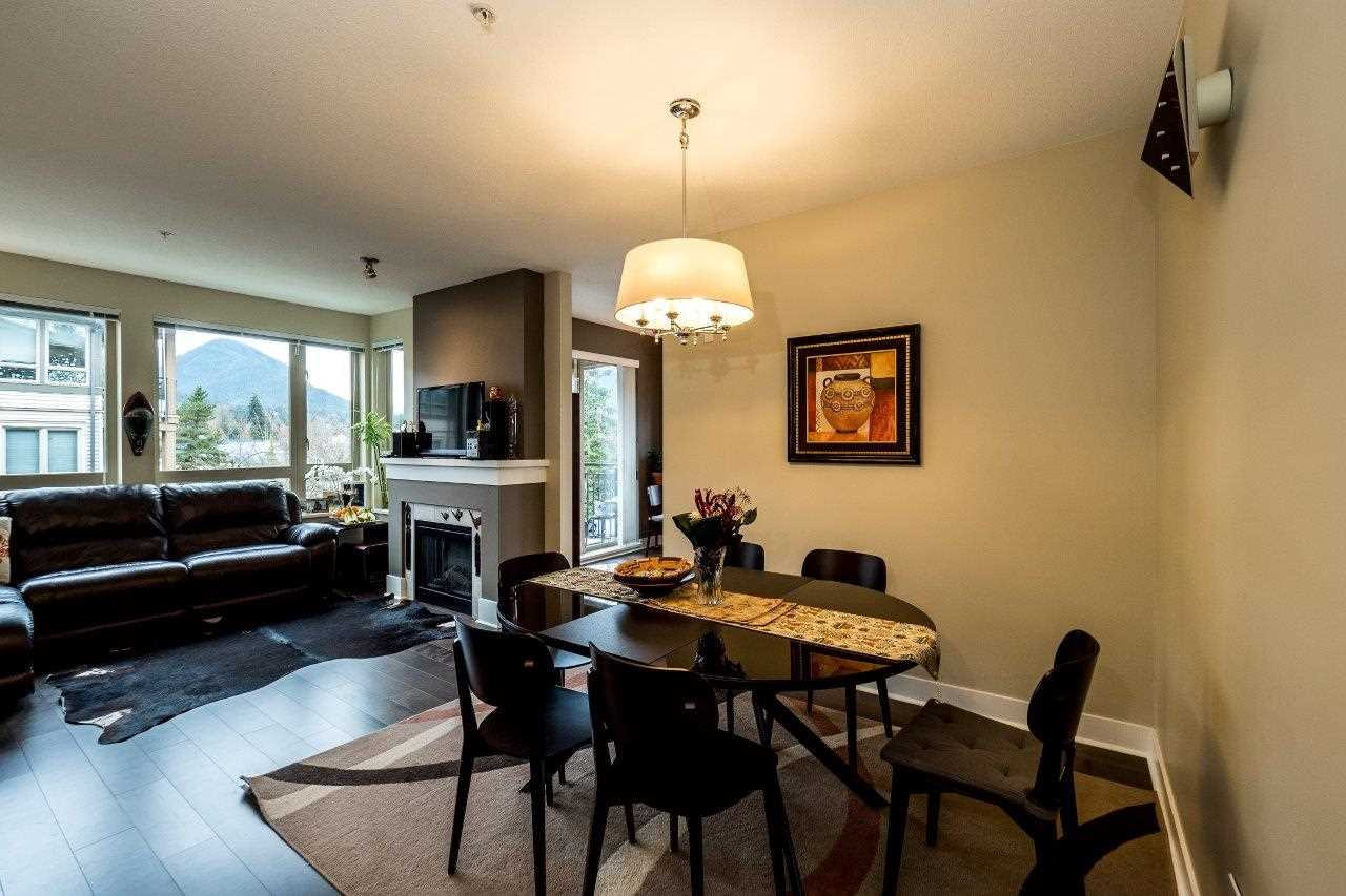 Lynn Valley Condo for sale:  2 bedroom 1,087 sq.ft. (Listed 2016-03-16)
