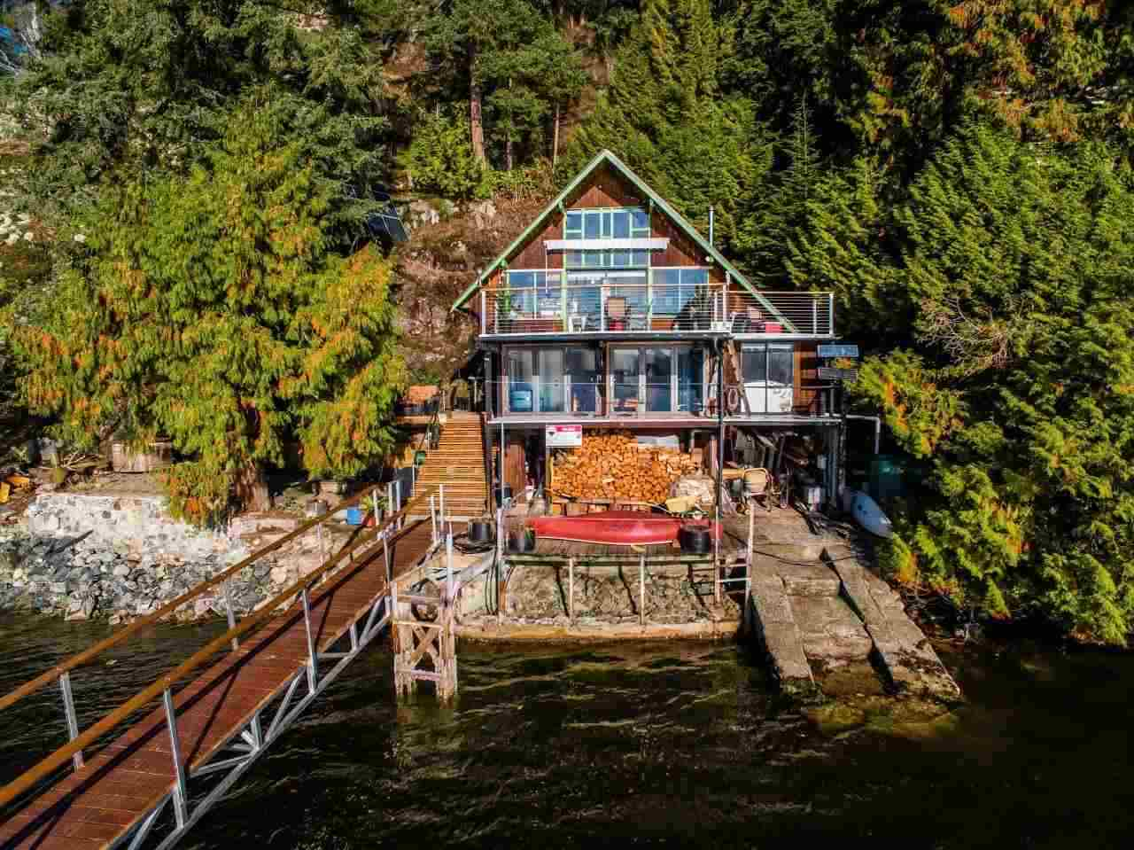 Deep Cove House for sale:  2 bedroom 1,236 sq.ft. (Listed 2019-03-22)