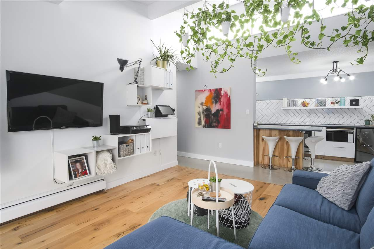 Government Road Condo for sale:  2 bedroom 936 sq.ft. (Listed 2019-04-11)