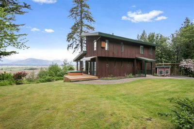 Ryder Lake House with Acreage for sale:  6 bedroom 3,268 sq.ft. (Listed 2020-06-11)