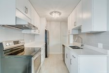 Central Park BS Condo for sale:  1 bedroom 780 sq.ft. (Listed 2019-03-04)