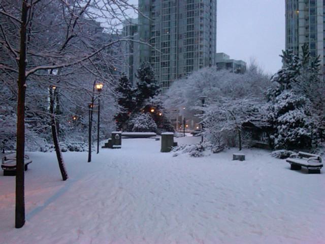 snow yaletown.jpg