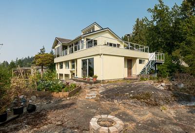 West Vancouver House for sale: Sandy Cove 3 bedroom 2,350 sq.ft. - 4048 Rose Crescent, West Vancouver, BC, V7V 2N7