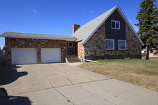 Dawson Creek  Single Family for sale:  4 bedroom 3,031 sq.ft. (Listed 2015-04-17)