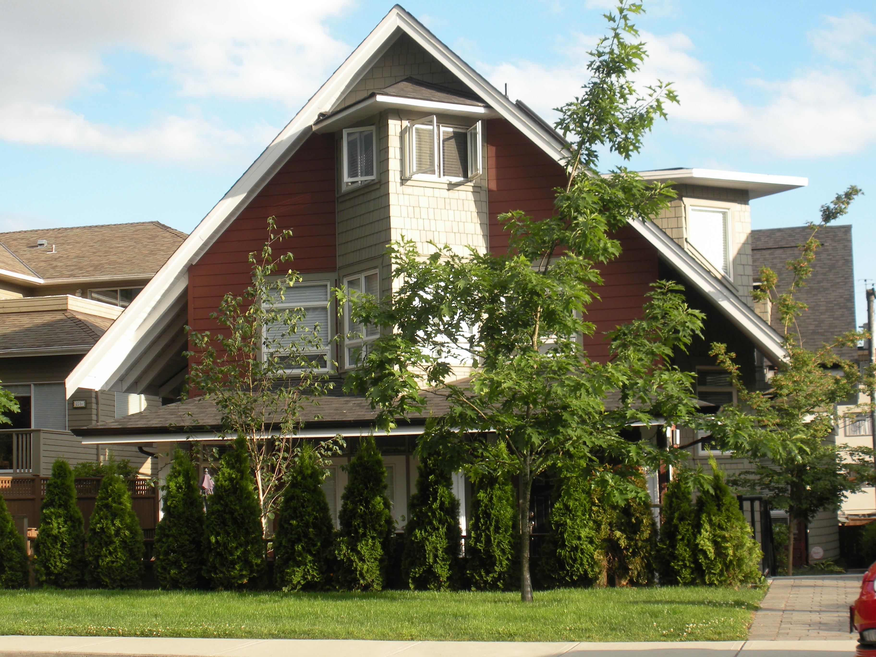 Central Lonsdale Detached Triplex for sale:  3 bedroom 1,700 sq.ft. (Listed 2009-06-23)