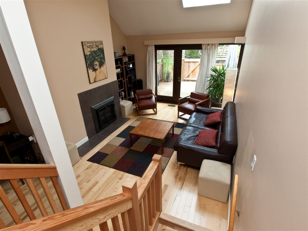 Central Lonsdale Townhouse for sale: Lamplighter 4 bedroom 1,820 sq.ft. (Listed 2010-07-03)