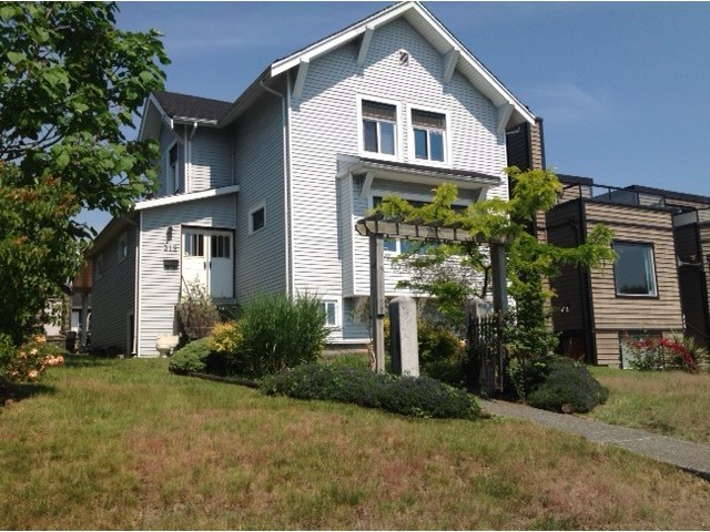 Lower Lonsdale House for sale:  4 bedroom  (Listed 2015-06-04)
