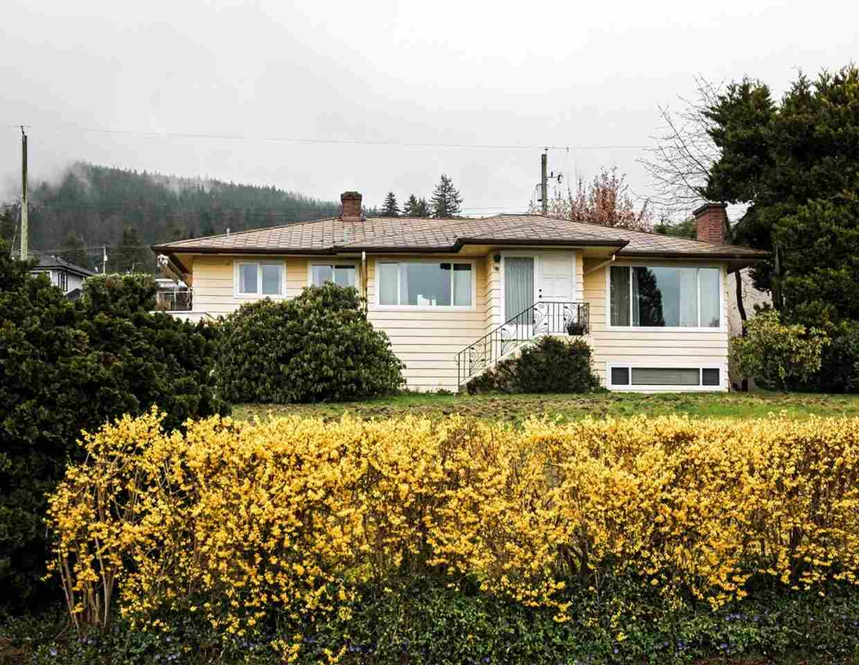 Upper Lonsdale House for sale:  4 bedroom 2,404 sq.ft. (Listed 2016-03-17)